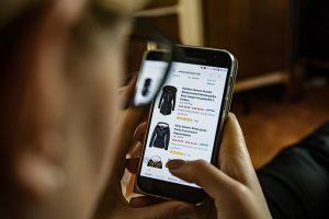 בגדים באינטרנט בזול